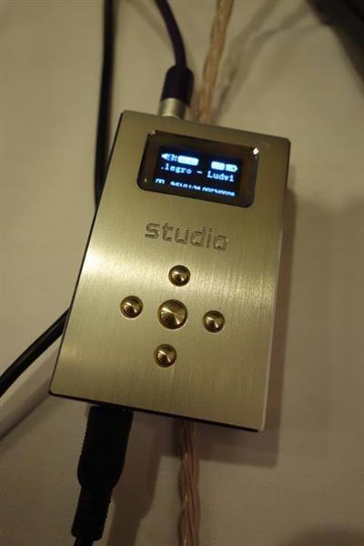 DSC00945 (Custom)
