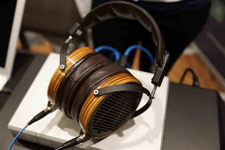 Audeze 2 (Custom)