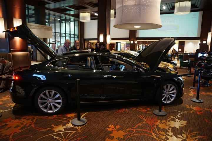Tesla 2 (Custom)