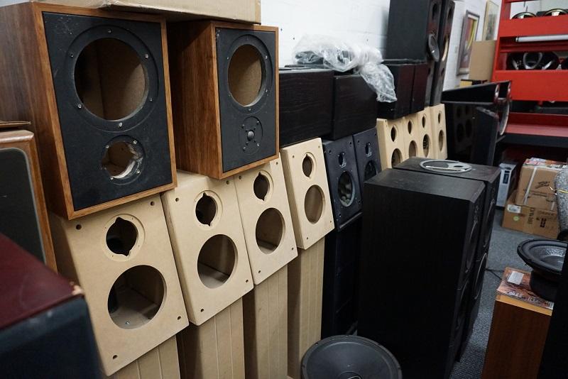 7. Fab Audio Brat cabinets pub