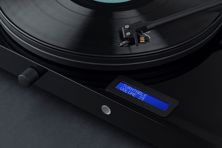 Pro-Ject Audio Juke Box E Turntable 03