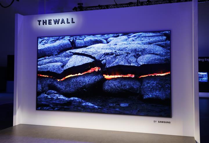Samsung The-Wall-Modular-MicroLED-146-inch-TV-2 (Custom)