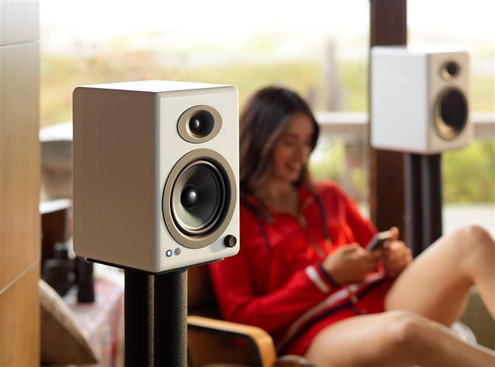Audioengine A5+ Premium Wireless Speaker System 01 (Custom)