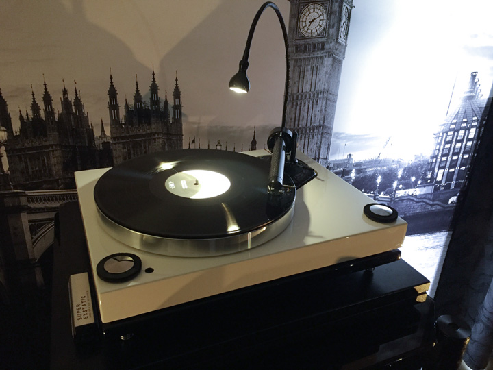 Roksan Xerxes 20 Plus turntable 720