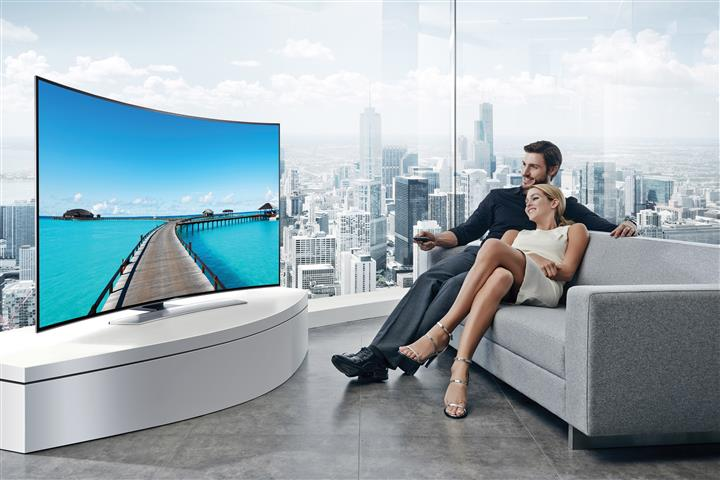 Samsung HU9000 Series LED UHD Curved Screen TV Review (Model