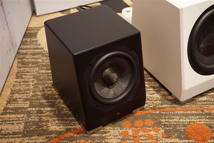 DSC06117 (Custom)