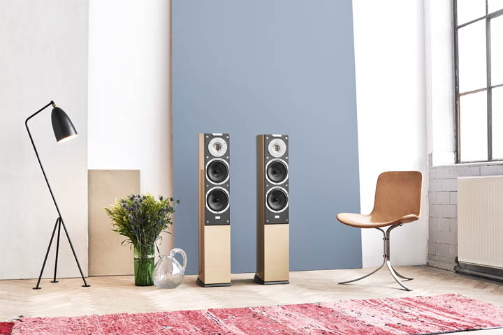 Audiovector SR Series speakers NOVO magazine