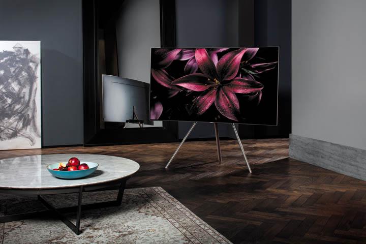Samsung QLED Studio Stand 02