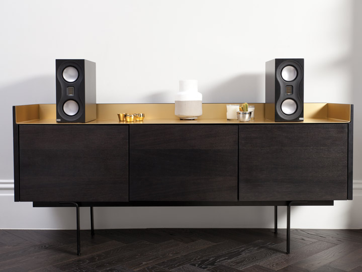 Monitor_Audio_Studio_Black_Lifestyle_Sideboard NOVO