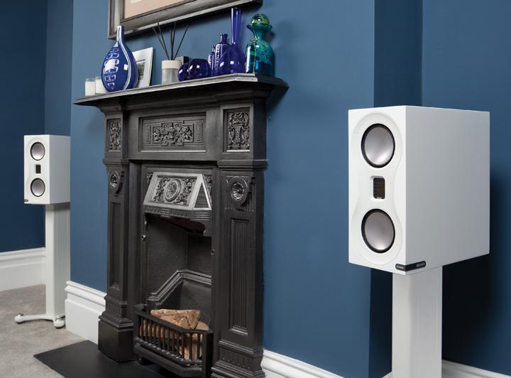Monitor_Audio_Studio_White_Lifestyle_Blue_Room